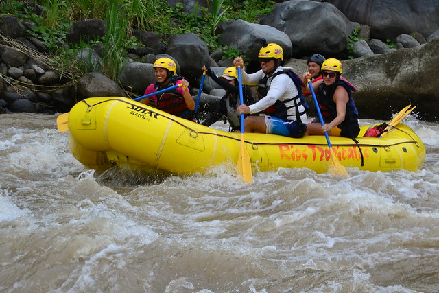 White water rafting the Rio Pacuare, Costa Rica